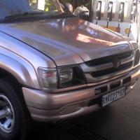 urgent sale:2001 Toyota Toyota hilux 2700i petrol 4x2 bakkie
