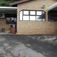 An Amazing 4 Bedroom House For Sale In Chatsworth.