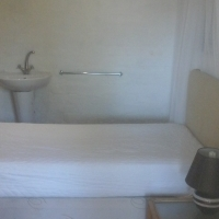 Unfurnished room with separate entrance and own shower