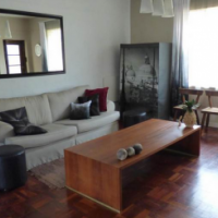 2 Bedroom Apartment in Oaks Court, Union Street, Gardens, Cape Town.