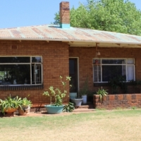 BENONI-PETIT LIGHT INDUSTSRIAL USES-6000 Sq M P-LOT-SOLID OLD HOUSE!!