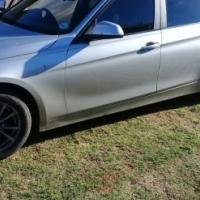 BMW 320i for urgent sale