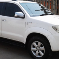 2010 Toyota Fortuner 3.0 D-4D auto with service history R199000 or R4600 P/month with no deposit