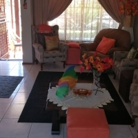 Beatiful 3 bedroom house in Theresaburg complex for sale