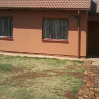2 bedroom available in mahube valley next to small complex