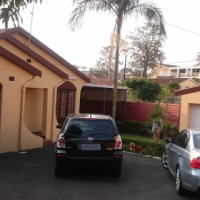 Free standing 3.5 Bedroom Beauty with Outbuilding in Phoenix.