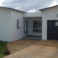 Newly built 2 bed 2 bath house for sale in Kleinmond
