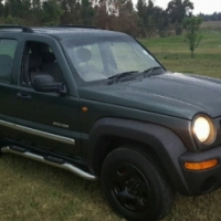 Ladydriven clean Jeep 2.4l SUV