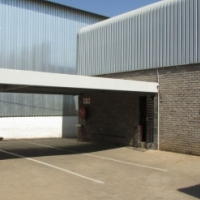 WELL LOCATED WAREHOUSE