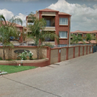 Auction - Townhouse for Sale in Die Hoewes