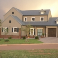 Top floor for rent at waterlake farm eco estate