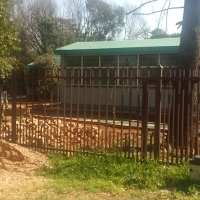 House for sale with a big stand in Glen Lauriston