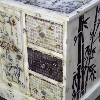 Petit Oriental Cabinet with 3 Drawers (635x495x765)