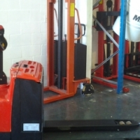 NEW 2.0 TON ELECTRIC PALLET TRUCK (ELECTRIC DRIVE AND LIFT) FOR SALE