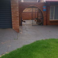 Cozy One Bedroom Garden Flat In Quite Area. Suitable For A Single Person Only