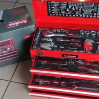 Tomihawk 102PC Tool Set Comes with a Lifetime guarantee Selling for R2500
