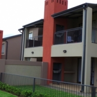 34 Megan Lee 3 Bedroom Top unit no garden