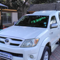 2007 Toyota Hilux 2.7vvt-i Raider with Canopy
