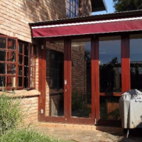 Glenwood - 2 rooms available in secure, well maintained 4 bedroom duplex (URGENT)