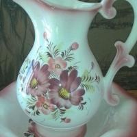 Porcelain Show Piece