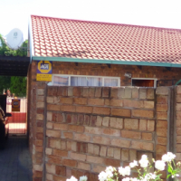 2 Bedroom Townhouse for sale in Orchards – R 460 000