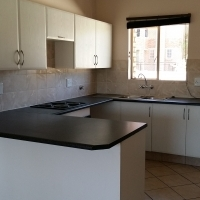 TILED UNITS TO RENT - NORTHWOLD - R6500