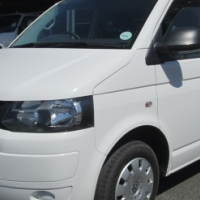 VW Kombi 2.0 TDi (8-seater)