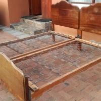2 antique single beds