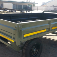 DURA: Agricultural turn table trailer