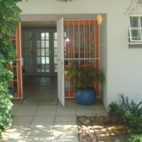 Upmarket Garden OFFICES in the heart of Fourways for small established companies