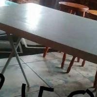 Portable white table