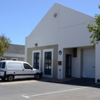 Platinum Junction small light ind unit to let - School Str Milnerton - 102m²