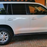 Land Cruiser 4X4 200 VX Diesel Auto