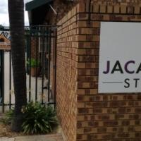 Rietfontein - Modern Bachelor Flat - 8 km from TUKS