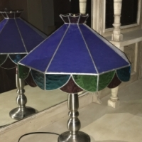 Lamp with stained glass shade