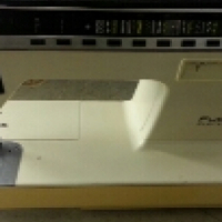 Sewing machine SINGER for sale