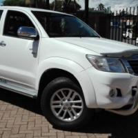 2011 hilux 4.0 v6 auto 4x2 face lift.