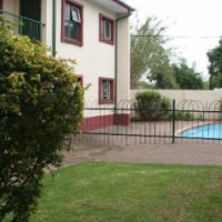 This is a beautiful 2 bedroom townhouse situated in the heart of Middelburg, at Melrose Place.