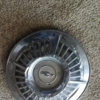 Chevrolet, older model: used hub cap