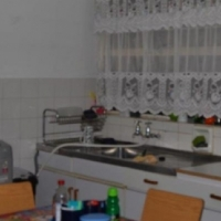Parow: 1Bed Flat +privare secure parking, All Room LARGE+Private, Shops, Transport