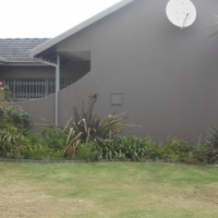 HOUSE NEXT TO PANORAMA PRIMARY SCHOOL AND PICK PAY