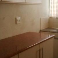 Roodepoort 1bed bath kitchen lounge parking R2950