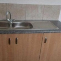Cosmo Creek 2bedrooms, bathroom, kitchen, lounge, stove. B.I.C's R5000 