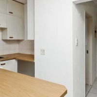 BRYANSTON Baccarat Lodge open plan studio unit to let for R4200