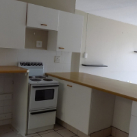 Beautiful  2 bedroom unit in a popular complex -  balcony and good size