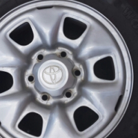 Toyota Hilux SRX rims and tyres