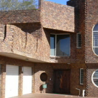 TO LET: Garden Flat - GARSFONTEIN with private entrance, en-suite bathroom, lounge & open plan kitch