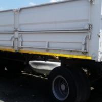 Drawbar trailer wirh 1 mm dropsides.