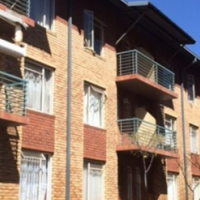 Auckland Park Laborie Village flat share R2800 excl bachelor sharing