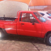 1995 toyota hilux long  base  wheel 2.4 deseal for sale
